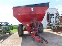 Brent 774 Auger wagon w/turf tires, rear camera &