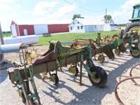 John Deere 843 8 row - row crop cultivator