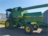 84 John Deere 7720 Combine Hydro