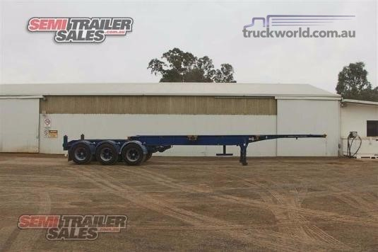 2002 Barker Skeletal Trailer - Trailers for Sale