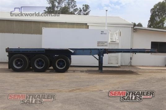 1983 Fruehauf Skeletal Trailer - Trailers for Sale