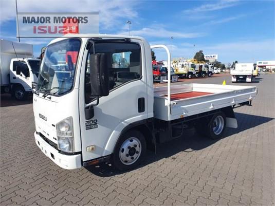 2009 Isuzu NLR Major Motors  - Trucks for Sale