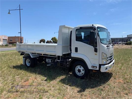 2020 Isuzu FRR Westar  - Trucks for Sale