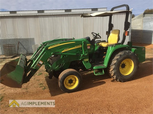 2009 John Deere 3320 Ag Implements  - Farm Machinery for Sale