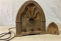 Douglas Dunhill INC. Radio Model 2136