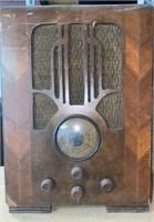 Gronow Tombstone Console Radio