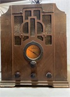Crosley Tombstone Radio
