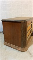 Silvertone Wooden Case Tube Radio