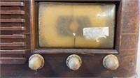 Zenith Wooden Case Tube Radio