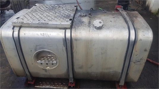 0 OTHER Flsk47/101 - Right Freightliner Argosy Diesel Tank - Parts & Accessories for Sale