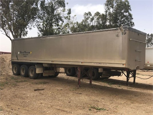 2002 Hamelex White 4.5M - Truck Bodies for Sale
