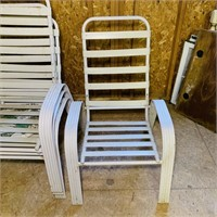4 Matching Outsoor Chairs, Backs all come off