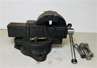 """Nice Bench Vice, 4"""", 100 on the other side"""