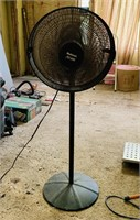 Holmes Air Logic Rotating Fan, Dirty but works