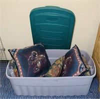 Big Rubbermaid Tote W/lid, 7 western clean