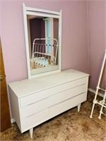 Kroehler Custom Crafted Dresser/ Mirror