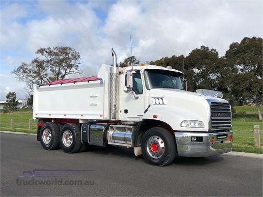 2015 Mack Granite - Trucks for Sale