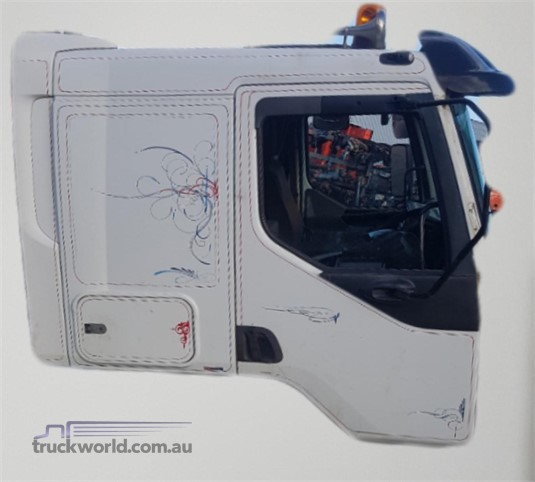 0 Mack Quantum Cab - Parts & Accessories for Sale