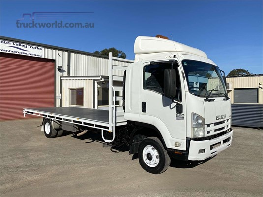 2009 Isuzu FRR  - Trucks for Sale