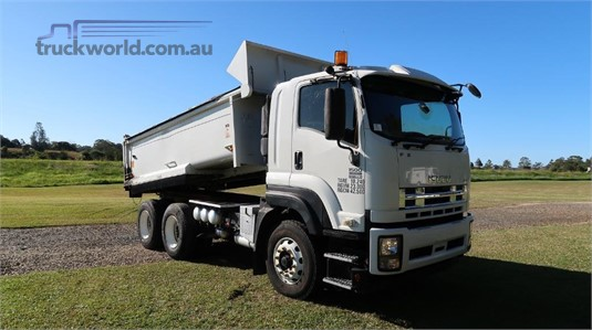 2015 Isuzu FXZ 1500 - Trucks for Sale