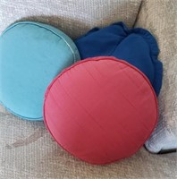 Round Throw Pillows, Blue, Red