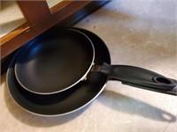 2pc Teflon Style Frying Pans