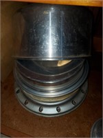 Metal Baking/ Serving Items