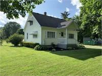 3 Bedroom Home With Detached Garage Selling Online
