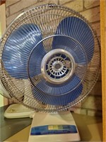 Table Top Electric Fan, Blue Blades