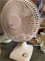 Table Top Lasko Oscillating Fan