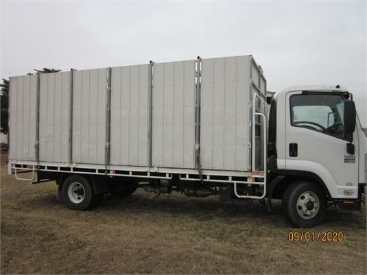2008 Isuzu FRR 500 Long - Trucks for Sale