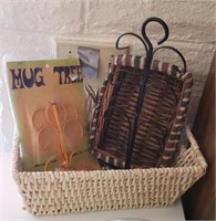 Basket W/ Mug Tree, Basket