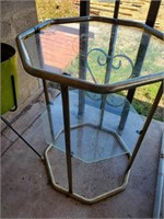Tri-level Glass, Metal Stand