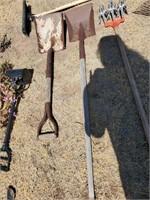 D Handled Shovel