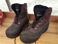 Thinsulate boots size 10