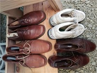 4 pairs of Shoes