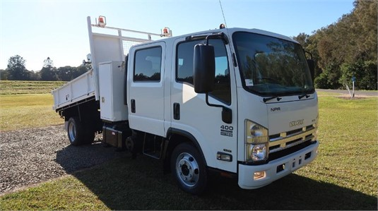 2014 Isuzu NPR 400 Crew Cab - Trucks for Sale