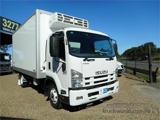 2014 Isuzu FRR 500 - Trucks for Sale
