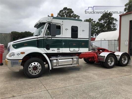 2005 Freightliner COLUMBIA 112 - Trucks for Sale