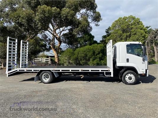 2009 Isuzu FSR - Trucks for Sale