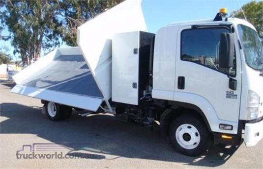 2014 Isuzu FRR - Trucks for Sale