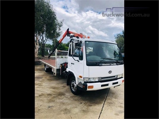 2005 UD MK240 - Trucks for Sale