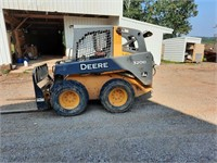 JOHN DEERE 320D BEING SOLD ON AUCTION TIME
