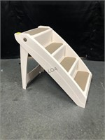 Foldable steps for pets
