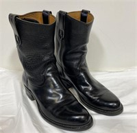 Nice pair of leather boots, Size 6