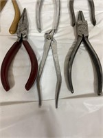 Lot of grips and snips