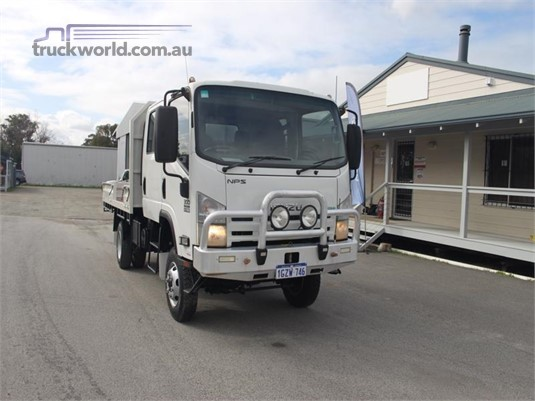 2013 Isuzu NPS300 - Trucks for Sale