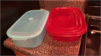 2 plastic containers w/lids