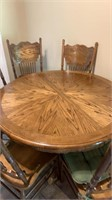 Round Kitchen table w/6 chairs