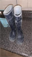 Rubber boots size 5